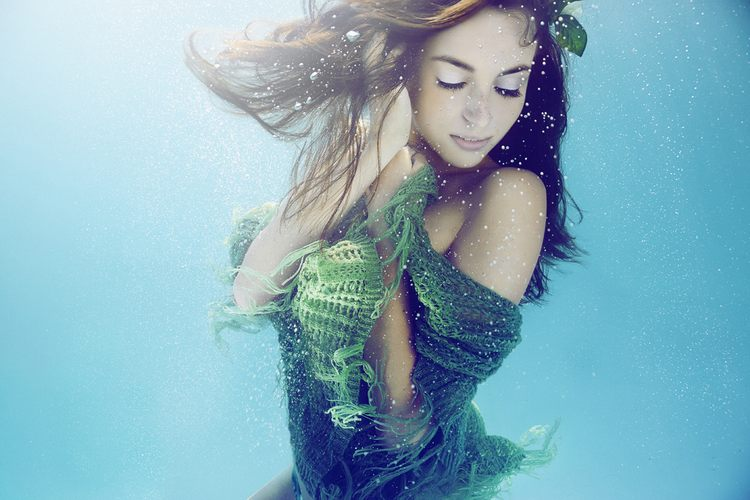THE EXTRAORDINARY ART OF UNDERWATER PHOTOGRAPHY AN