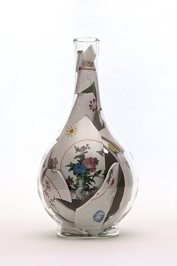 Bouke de Vries, Memory Vessel, 2016, ceramic and glass